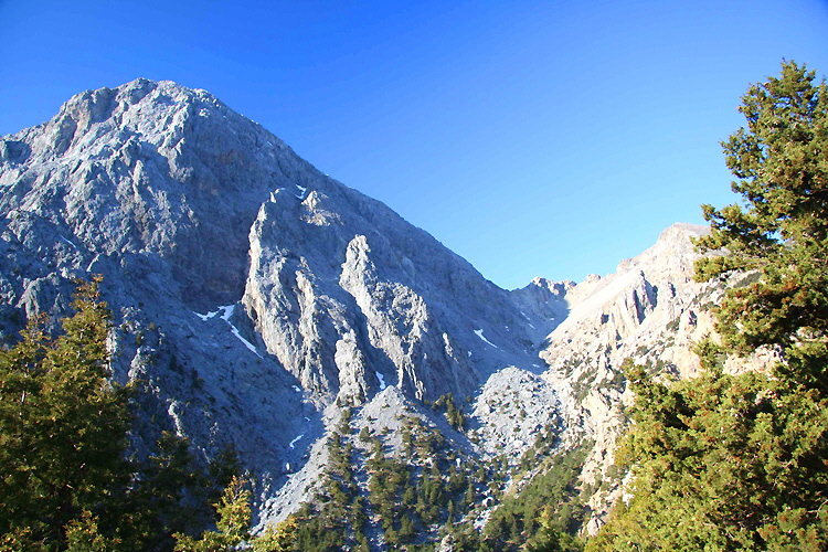 Sfakia: Mt Gingilos (2,080 meters) above the entry to the gorge of Samaria